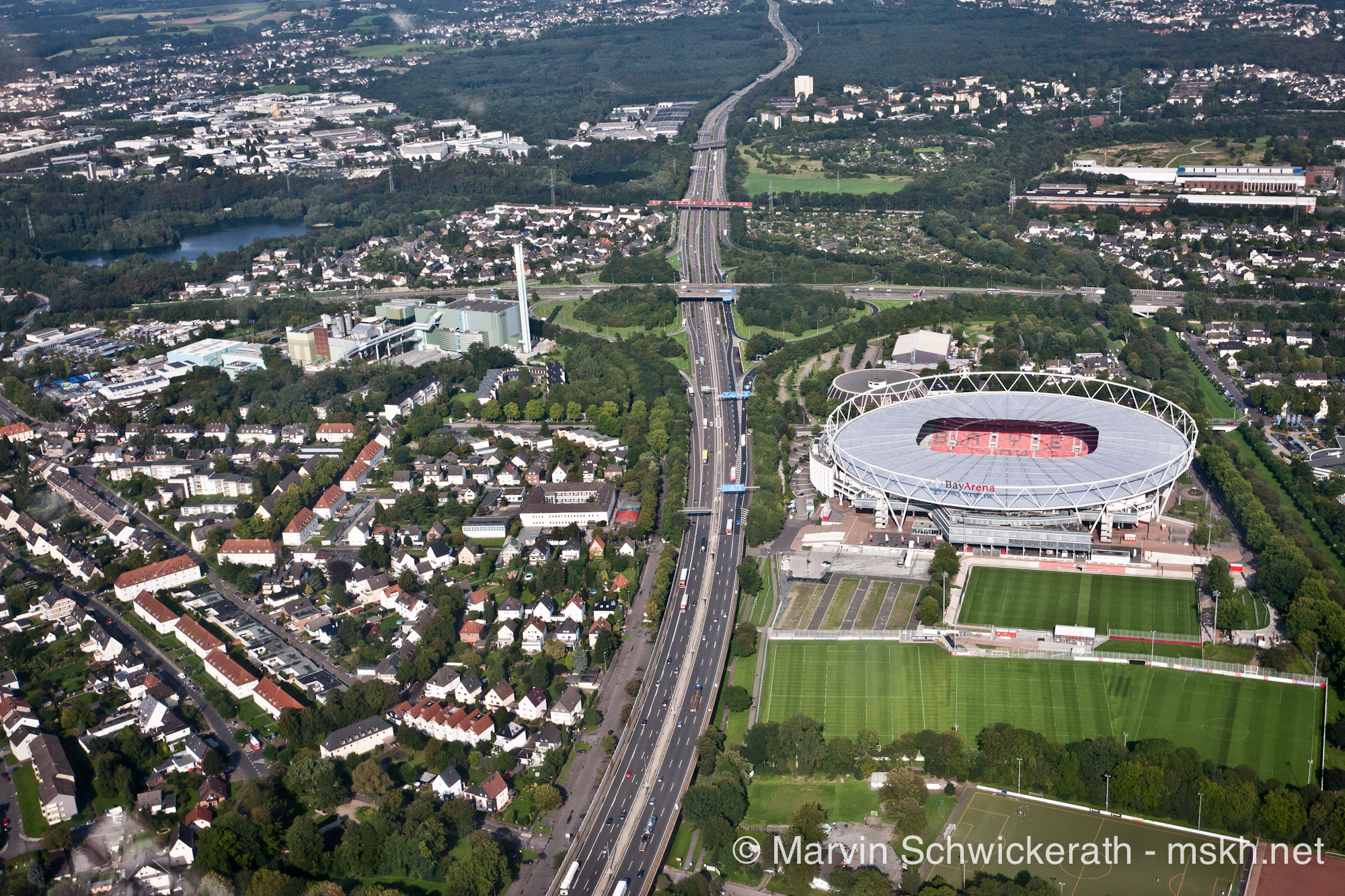 Bayer 04 Leverkusen Fußball GmbH   bayer04.de